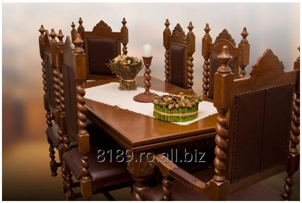 Colonial table