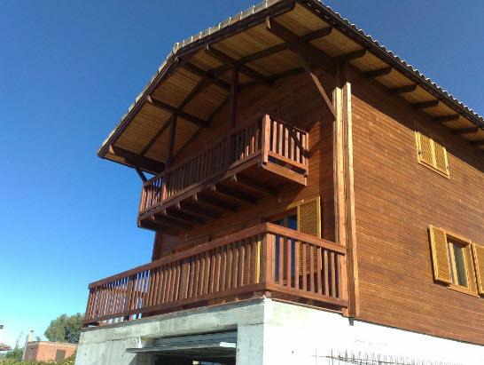 价格用木头造的框架房