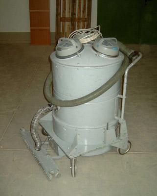 Промышленный пылесос NILFISK GS83