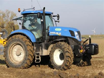 New Holland T 7.235
