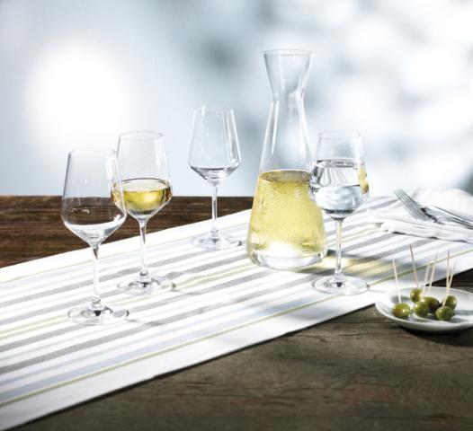 cumpără Set cadou Harmony pentru vin alb, 4 pahare si o carafa ambalate in cutie de cadou