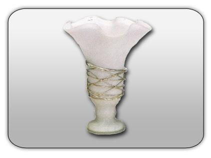 cumpără Vase decorate cu metal