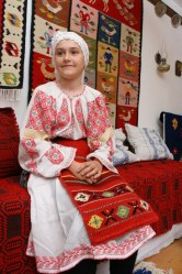 Costum traditional oltenesc