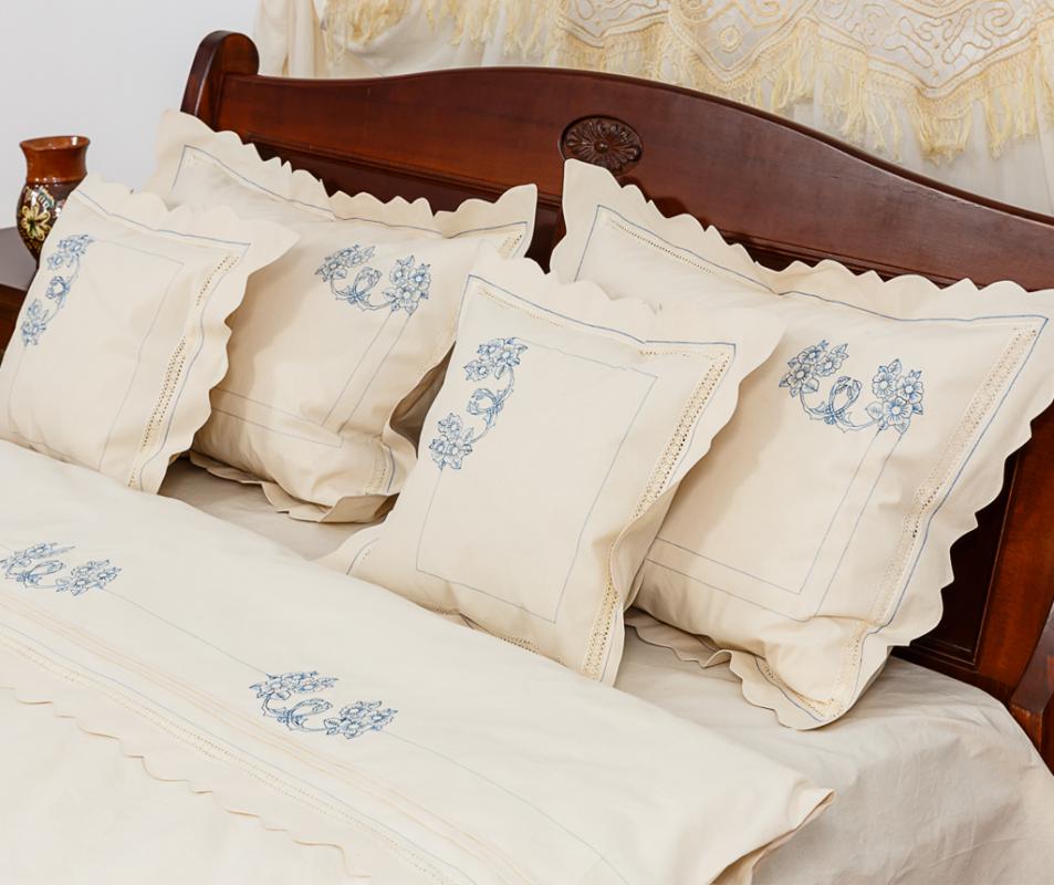 cumpără Lenjerie de pat din bumbac 100%, natur cu broderie albastra, 240x240 cm - LNJ-69