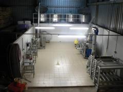 Hala de lucru pentru linii de suc automatizate