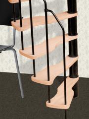 Scară spirală pentru spaţiu redus cu trepte din placaj de fag.