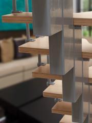 Scară dreaptă modulară cu balustradă şi paşi