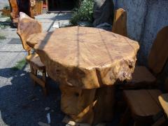 Mese din lemn masiv