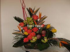 Aranjamente florale - Trandafiri,  strelizia,