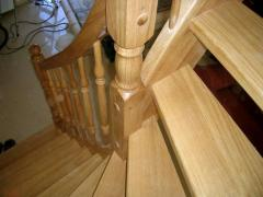 Scara din lemn masiv