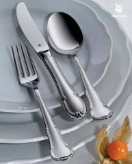 Serving utensils
