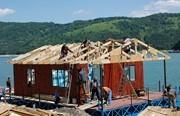Placi de lemn pentru case plutitoare
