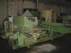 Machine tools milling and molding machine for a