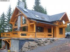 Case din lemn.