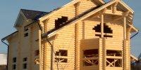 Case din lemn masiv lamelar