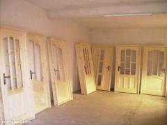 Usi din lemn stratificat