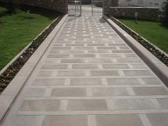 Natural stone slabs