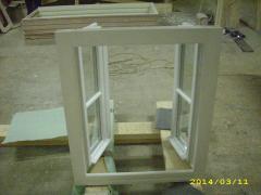 Producator de ferestre din lemn stratificat cu