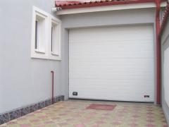 Usi garaj sectionale