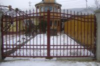 Patterned gates