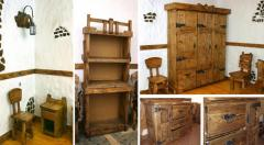 Mobilier din lemn antichizat
