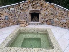 Patterned ceramic tile