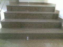 Scari de granit
