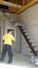 Scara metalica cu trepte placate cu lemn