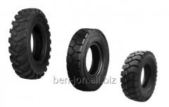 Tires for wheel loaders