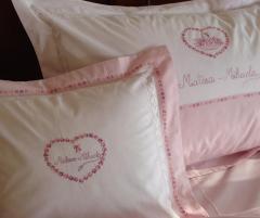 Lenjerie de pat pentru copii, personalizata, bumbac 100%, culoare alb cu roz, 150x240 cm - LNJ-33
