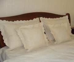 Lenjerie de pat din bumbac 100%, culoare crem cu broderie, 240x240 cm - LNJ-44