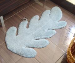 Covor de lana pentru baie, culoare albă, formă de frunză - 130
