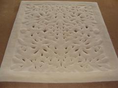 Covor de lana alb, pătrat, model cu broderie barocă - 72