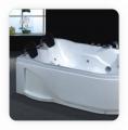 Cada baie colt cu sistem de hidromasaj
