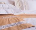 Lenjerie de pat din bumbac 100%, culoare alb si ocru, cu broderie si dantela decorativa - LNJ-19