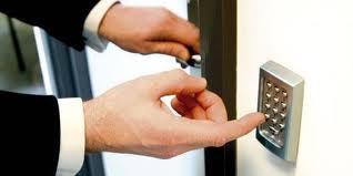 Comanda Instalarea sistemelor biometrice de control acces