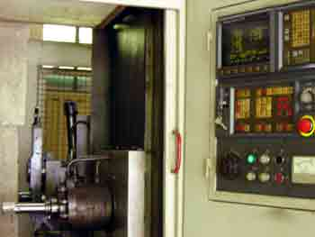 Comanda Centre de prelucrare cu CNC