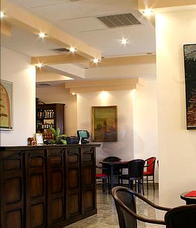Comanda Cafenea si bar la hotel