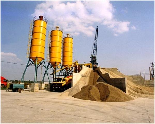 Comanda Inchiriere de autopompe de beton stationare