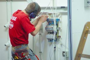Comanda Lucrari de instalatii electrice