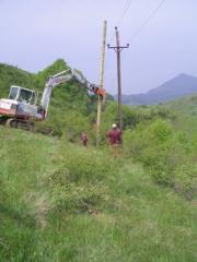 Montare stalpi electricitate