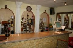 Bar de zi (07:00 - 23:00) – 12 locuri