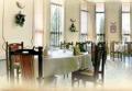 Spălat, călcat, curăţat, reparat îmbrăcămintea şi lenjeria clienţilor